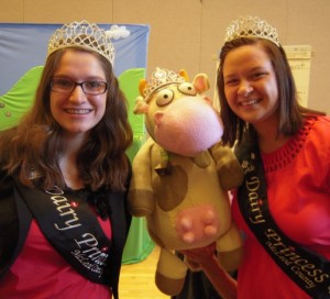 Cow and McLeod County Dairy Princesses 2015-07